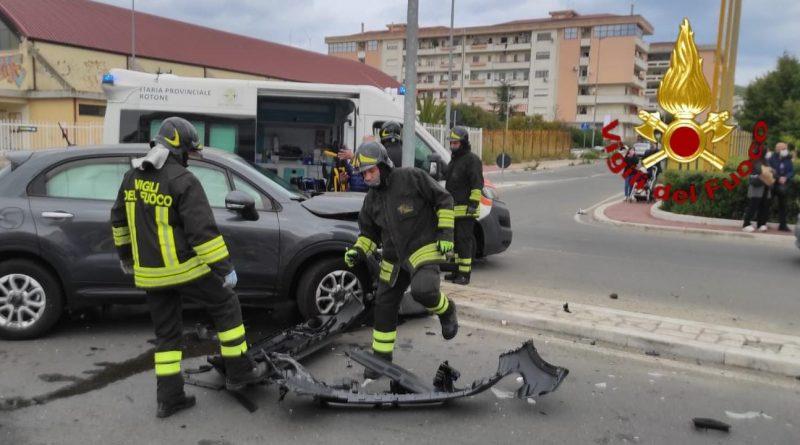 Crotone: Incidente stradale in via Nazioni Unite